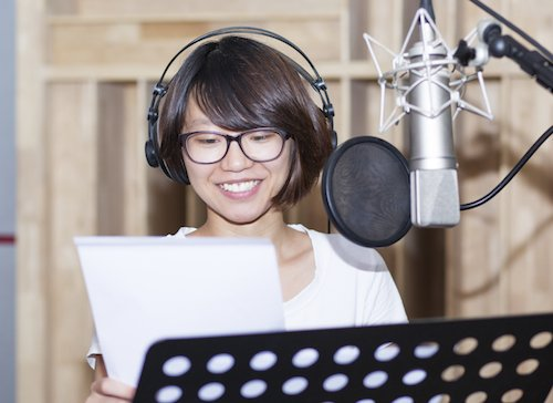 Faire le point sur le doublage, le voice over et la voix off